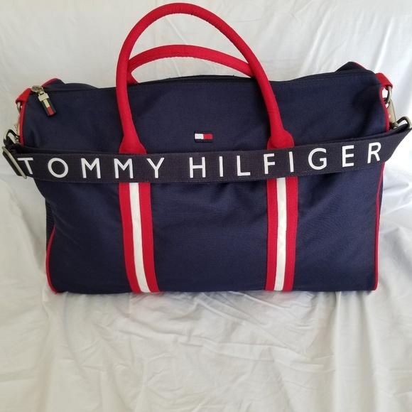 ac4f9c136cc4 Vintage Tommy Hilfiger duffle bag. M 5c38da45035cf12b8d270d93